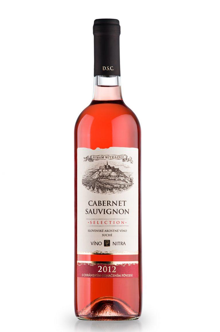 Vine photography vino nitra cabernet sauvignon botle