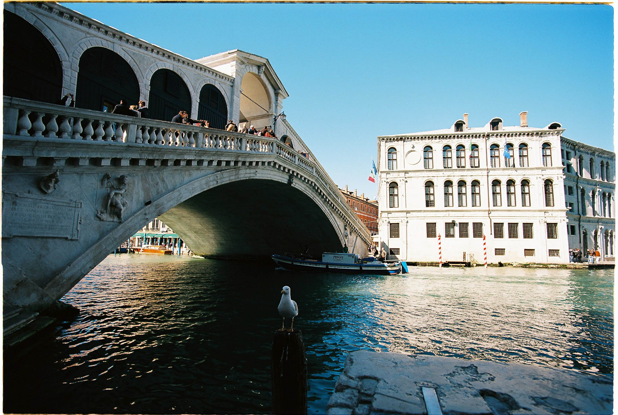Grand canal Venice Rialto bridge Kodak Ektar 100 Zeiss 18mm 3.5 distagon