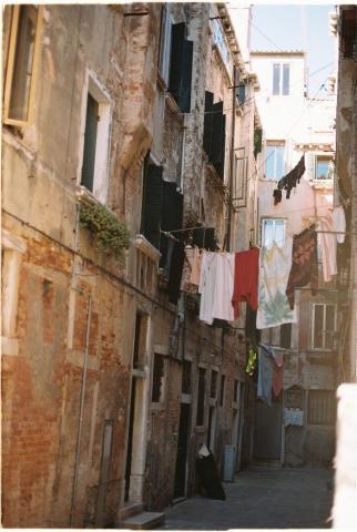 Venice streets kodak portra 160