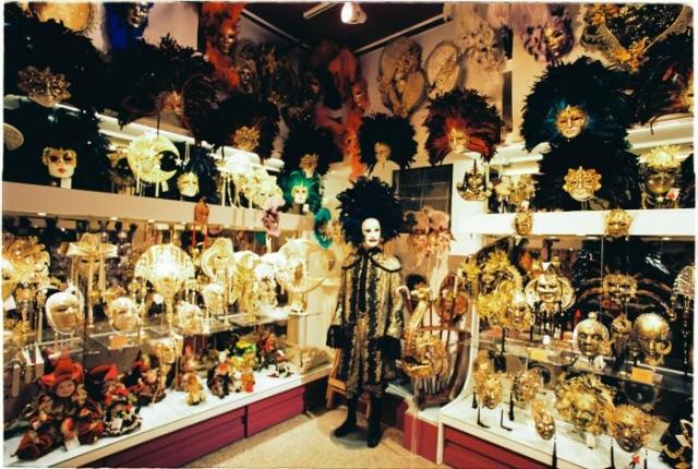 Mask shop in Venice carneval